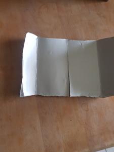 Silberne Seitenwände eines Tetrapacks