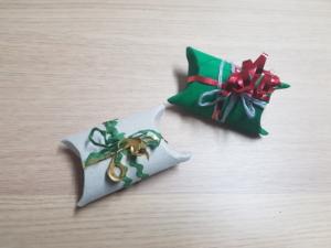 Geschenkverpackung aus Klorolle